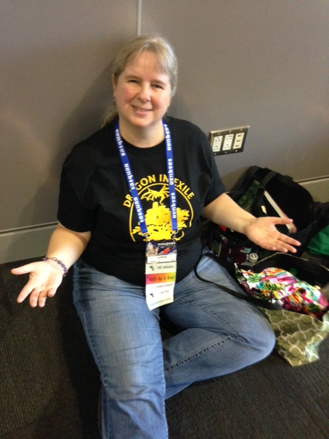 Cynthia Dix Porter at Sasquan: I wish I was waiting in line for Lee & Miller. GRRM will have to do instead.